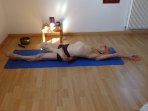paschimottanasana  yoga equilibre harmonie